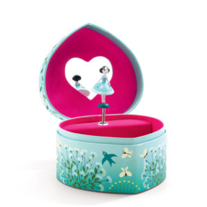 Djeco DJ06602 Dancing Heart Shaped Musical Box